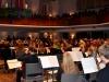 042-volle-kirche-orchester-mit-schroe